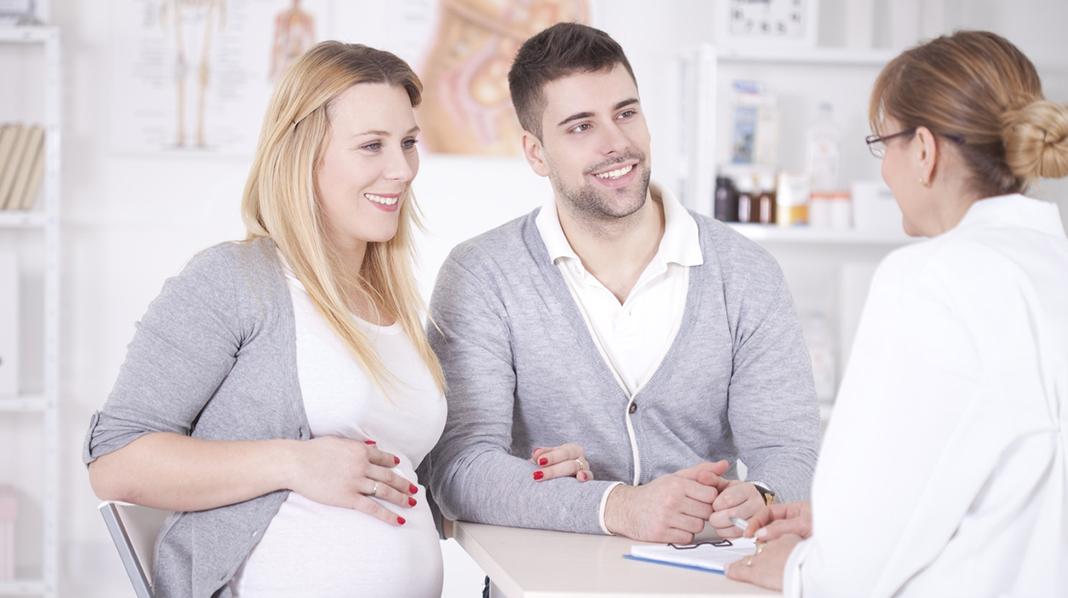 Det er mange spørsmål som dukker opp når en er gravid, og de fleste ønsker bare å være så normale som mulig. Illustrasjonsfoto: iStock