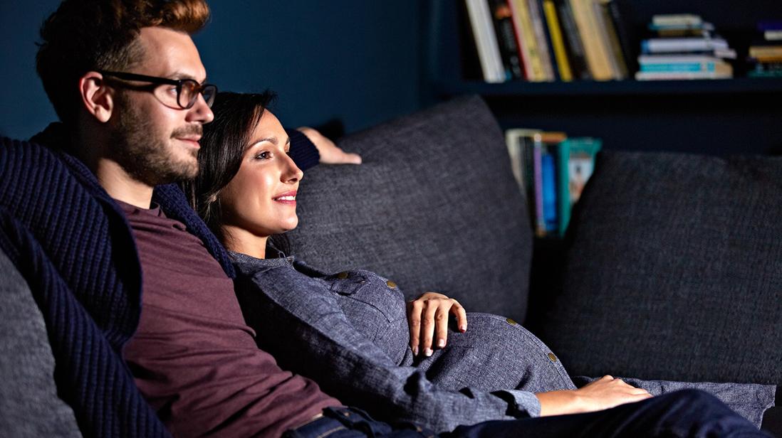 I starten er det ofte god tid mellom riene, og da kan det være fint med en film eller tv-serie som underholdning. Illustrasjonsfoto: iStock
