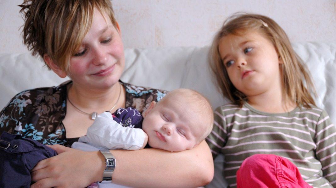 menssmerter gravid uke 4 kvinne søker par