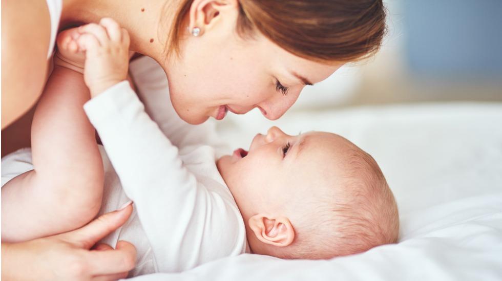 Samspill mellom foreldre og baby