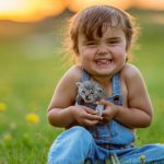 happy-girl-with-kitten-picture-id914898218