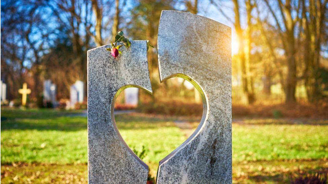 Når du mister et barn i dødfødsel har du rett til gravferdsstønad. Illustrasjonsfoto: iStock