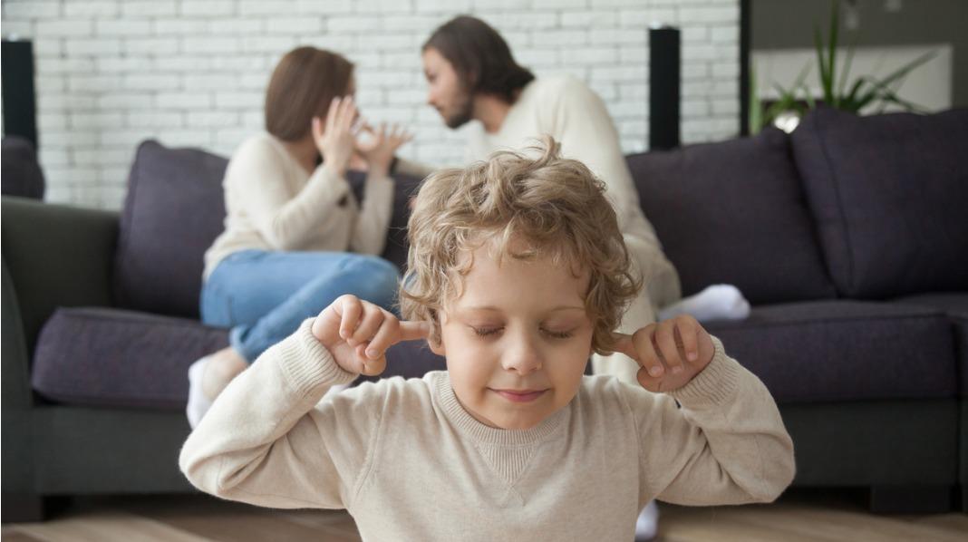 I kampens hete må du legge til side egne følelser, og rette oppmerksomheten mot barnet, sier kronikkforfatterne. Illustrasjonsfoto: iStock