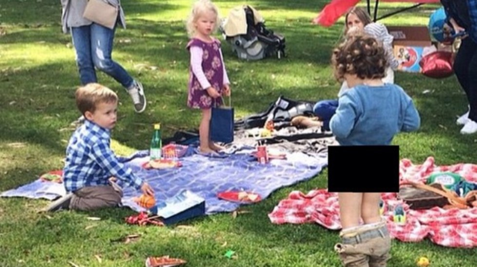#denfølelsen når barnet ditt overrasker de andre barna og barnehagepersonalet på pikniken. Foto: @eurobusymummy