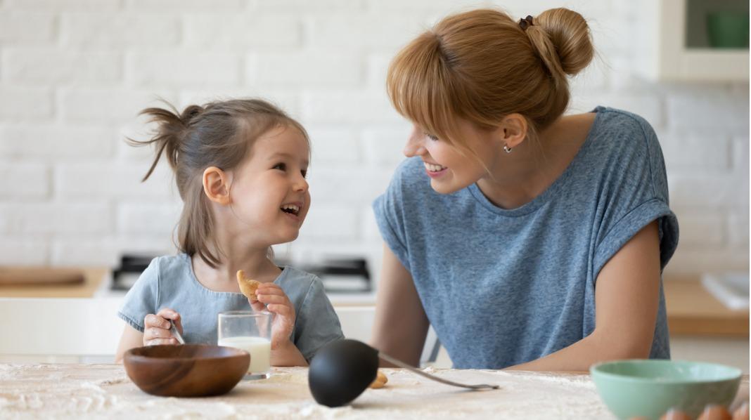Selv om foreldrenes skilsmisse har vært relativt udramatisk, har barna ofte dype sår som det tar tid å lege. Det er vanskelig å se på et barn hvor dypt sorgen sitter, for barn sørger annerledes enn voksne, sier familieterapeut Jesper Juul. Illustrasjonsfoto: iStockIllustrasjonsfoto: iStock